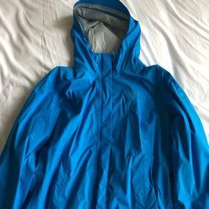 Mountain hard wear rain jacket